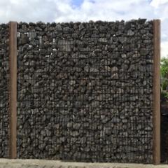 steenkorf houten palen