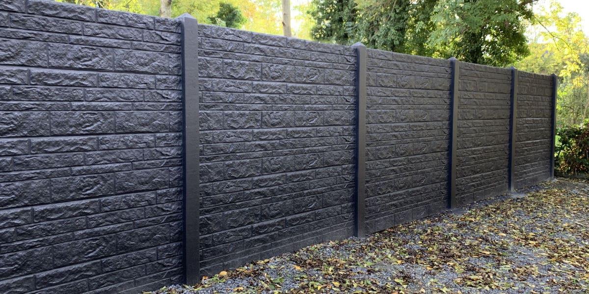 zwarte afsluiting beton